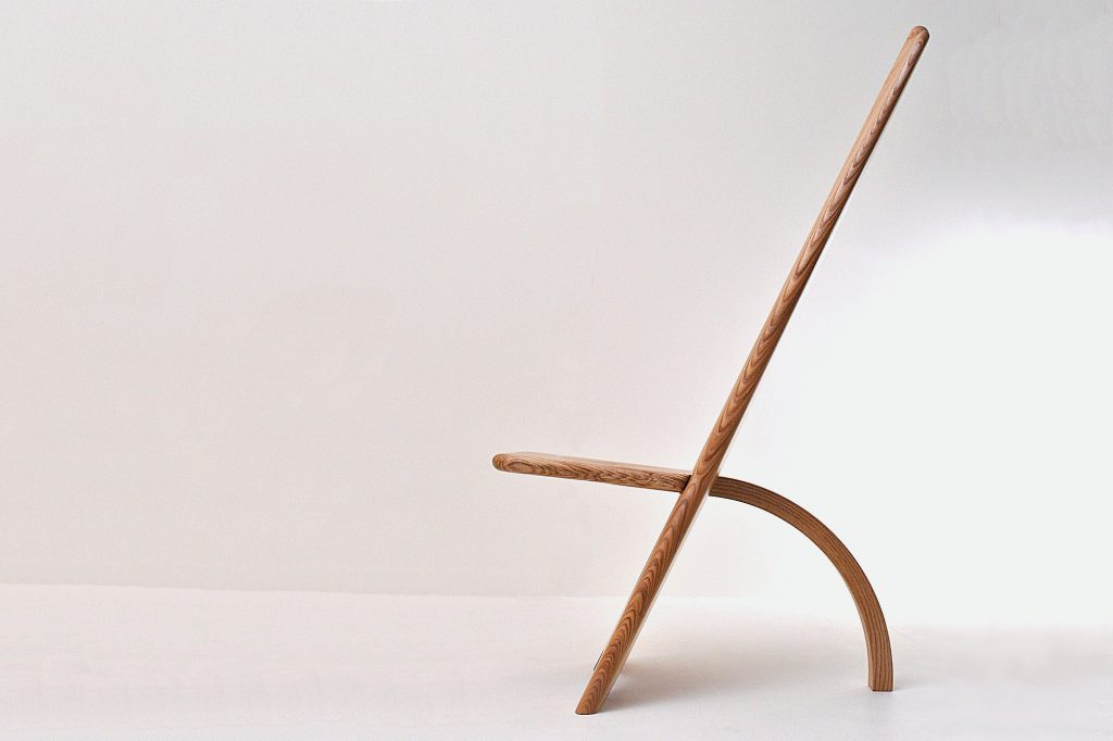 Chief's Chair in solid Olive Ash